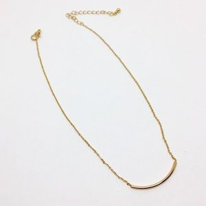 Jewelry - NWOT Gold Necklace